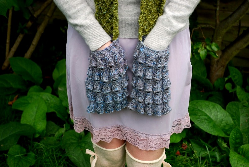 Knitting Pattern For Pocket Scarf : moss & bluebell (a pocket scarf) tiny owl knits